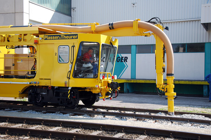 Railroad Track Maintenance Training : Plasser american machines systems ballast bed cleaning